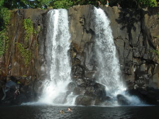 Twin waterfalls, Santo