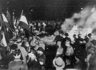 Nazi book burning 1933