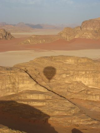 Wadi Rum - balloon and desert