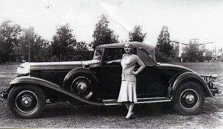 Los Angeles - two models from 1930s