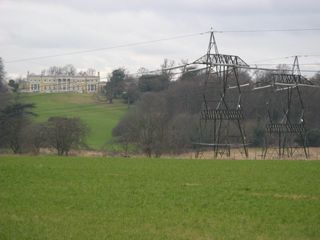 Holwood House, pylons
