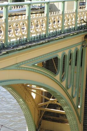 Richmond_lock_bridge_2