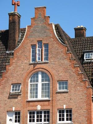 Near_manor_house