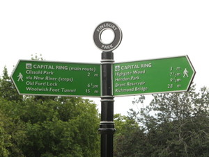 Sign_finsbury_2