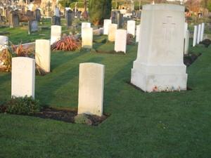 Australian_war_graves_wandsworth_ce