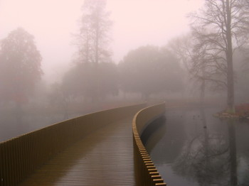 Sackler_crossing_in_mist