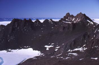 Mount_rumdoodle_antarctica_2